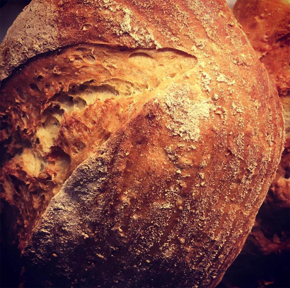 Her kjem det tekst om brød